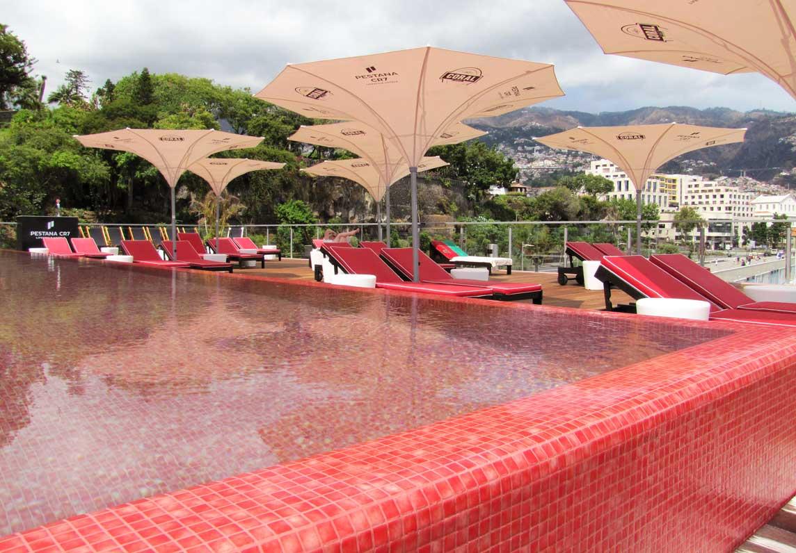 Ronaldo hotel Madeira zwembad