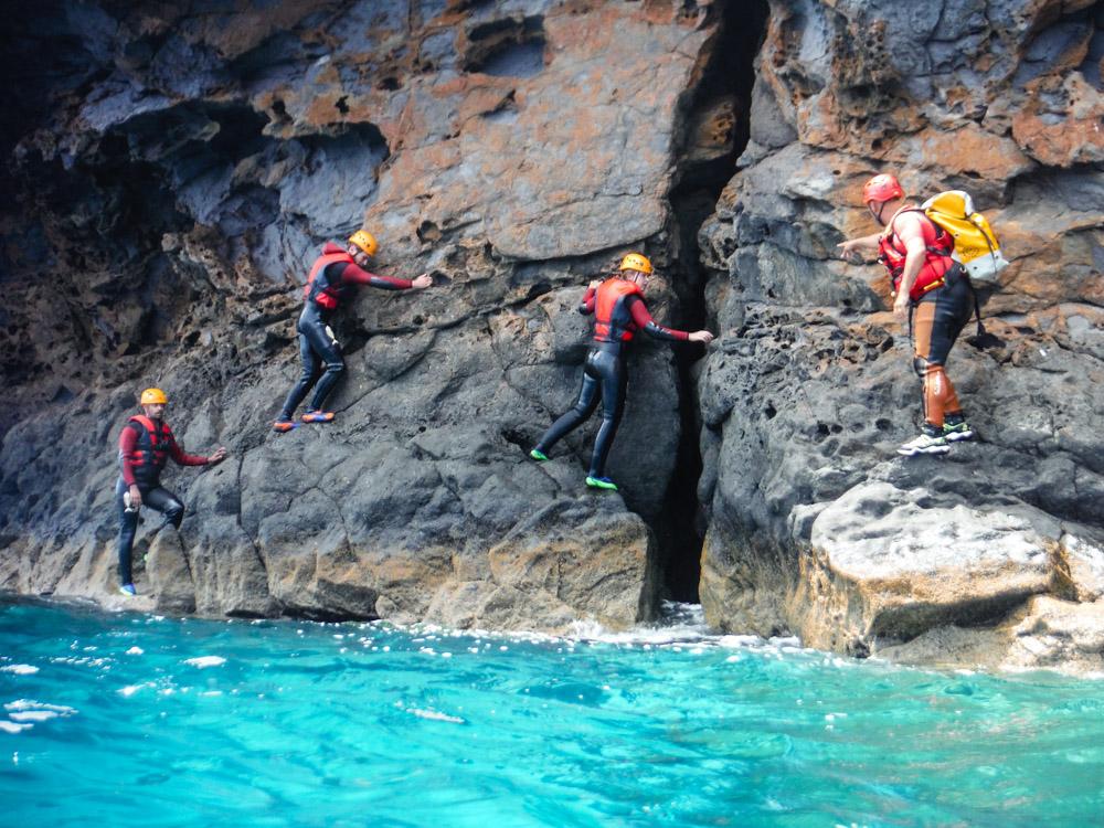 coasteering Madeira scrambling the cliffs
