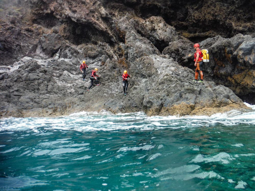 coasteering Madeira scrambling cliffs jumping
