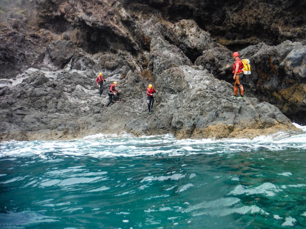 coasteering Madeira scrambling cliffs jumping